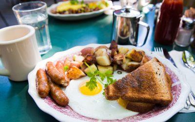 Envie de voyager, commencer vorte journée avec un petit déjeuner américain!